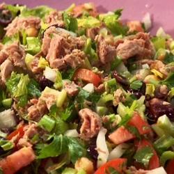 Tonijnsalade met erwten en selderij